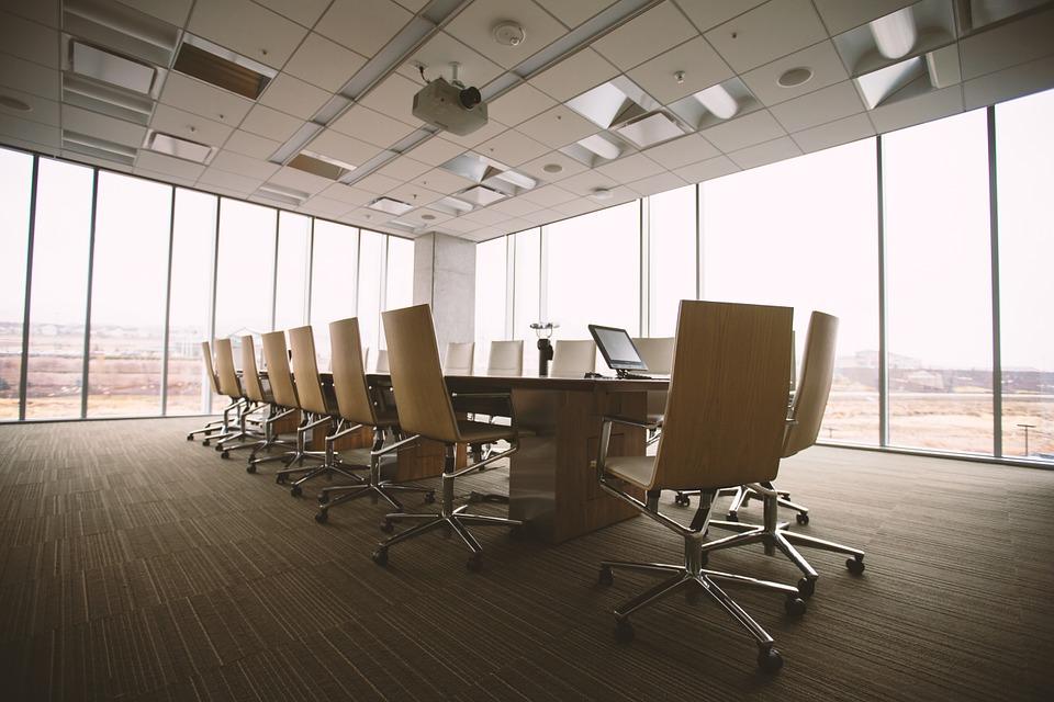 Salle de réunion propice à un employé lors d'un évènement d'entreprise